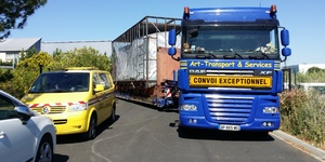 Art-Transport & Services Garrone - Transport d'une machine sur conteneur -